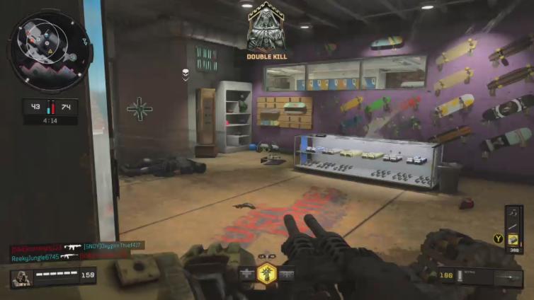 Neptune Diamond playing Call of Duty: Black Ops 4